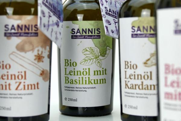 """Sannis LeinöSANNIS Leinöl """"Basilikum"""" extra-kaltgepresst, aus Vorarlberg, 280mll """"BASILIKUM"""" extrak"""
